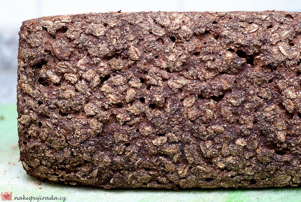 kváskový žitný chleba