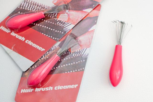 čištění kartáčů na vlasy